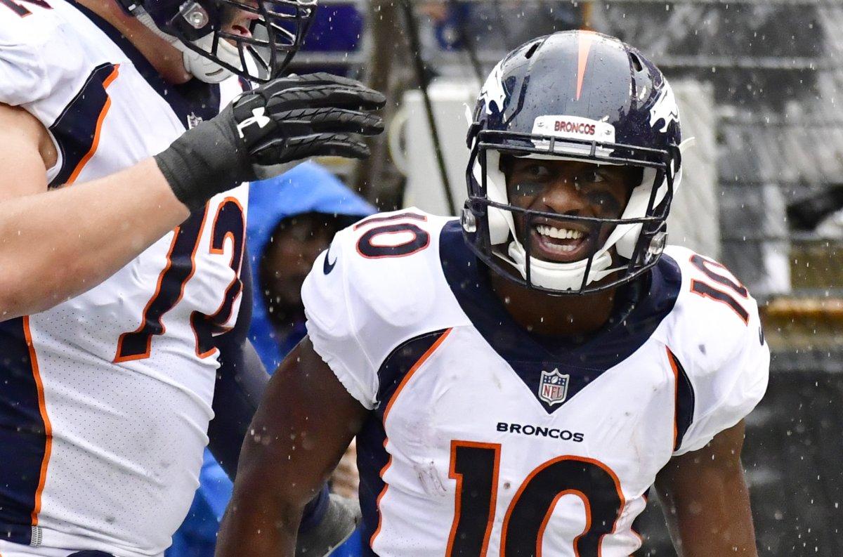Broncos Wr Emmanuel Sanders Makes Emotional Mistake Upi Com