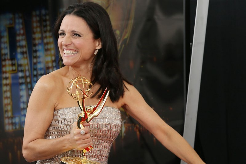 Julia louis dreyfus naked on the cover of rolling stone for Where did julia louis dreyfus go to college