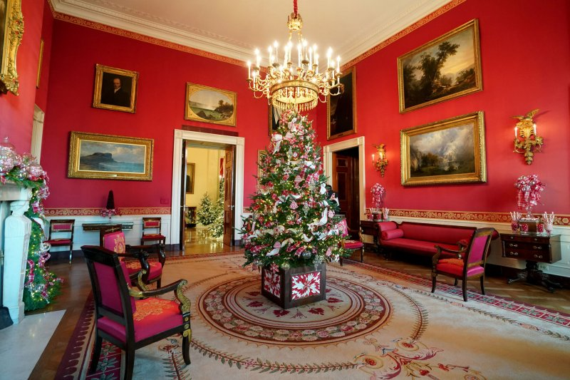 Melania Trump S White House Holiday Theme Quot Time Honored