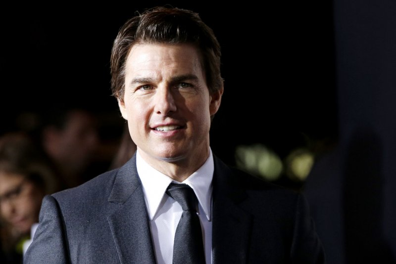 Tom cruise dating lohan, nude woman of syria