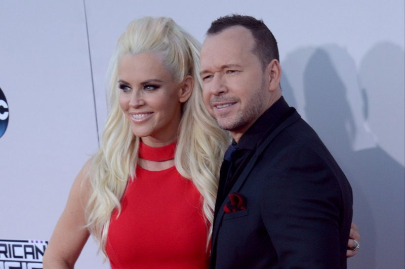 jenny mccarthy pens love letter to husband donnie wahlberg upicom