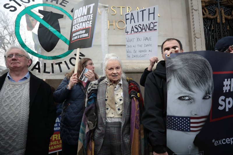 London protesters rally against Assange extradition