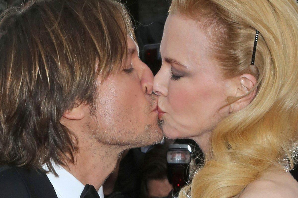 Keith Urban Dedicates Song To Nicole Kidman On Their 8th Wedding Anniversary