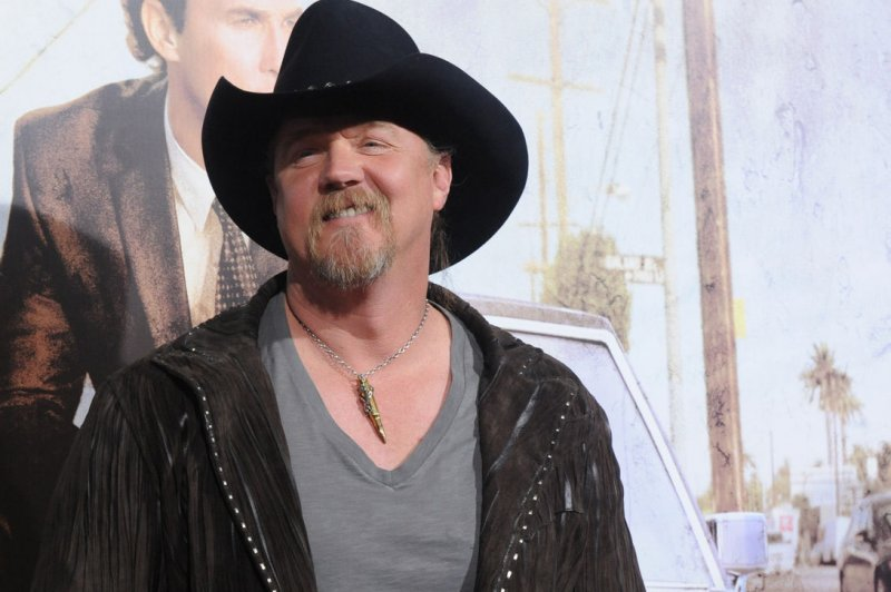 Rhonda Adkins Trace Adkins Wife Files For Divorce After