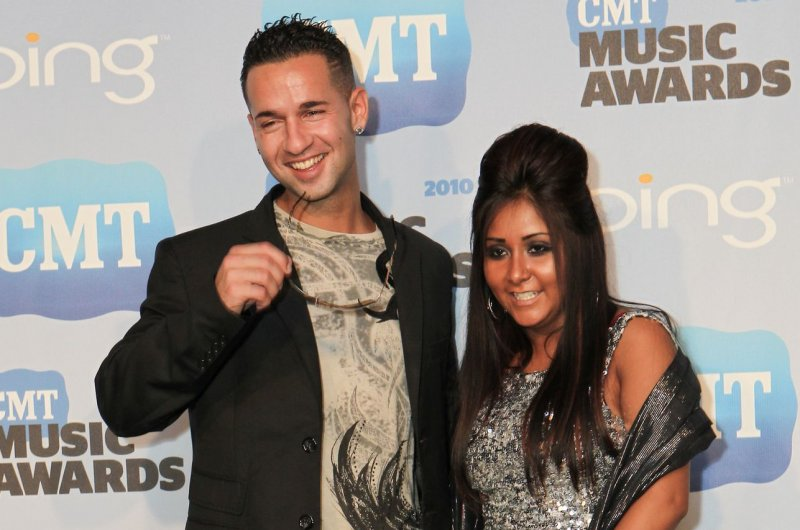 Mike 39 the situation 39 sorrentino arrested for 39 fist fight for Salon brawl