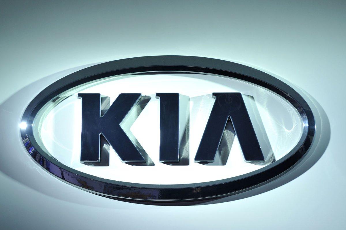 Kia recalls 228,000 Sedonas, Sorrentos over fire risk