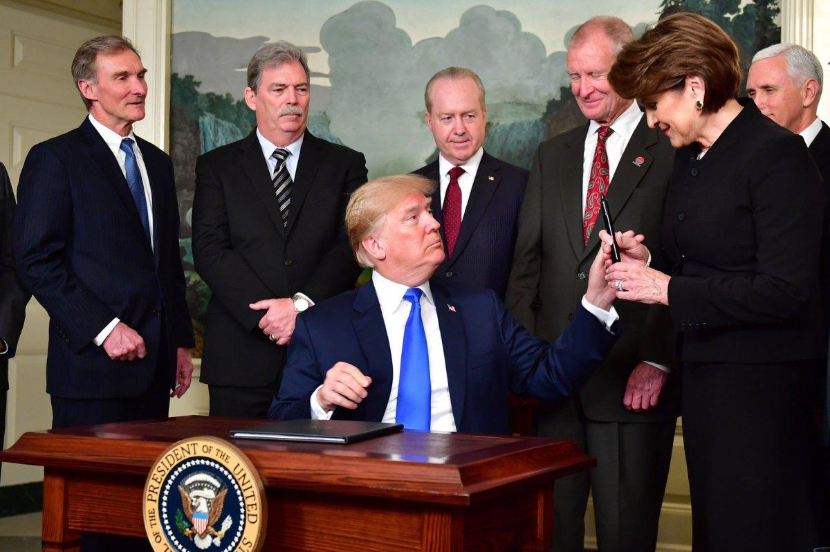 Watch live: Donald Trump announces new tariffs on China ...