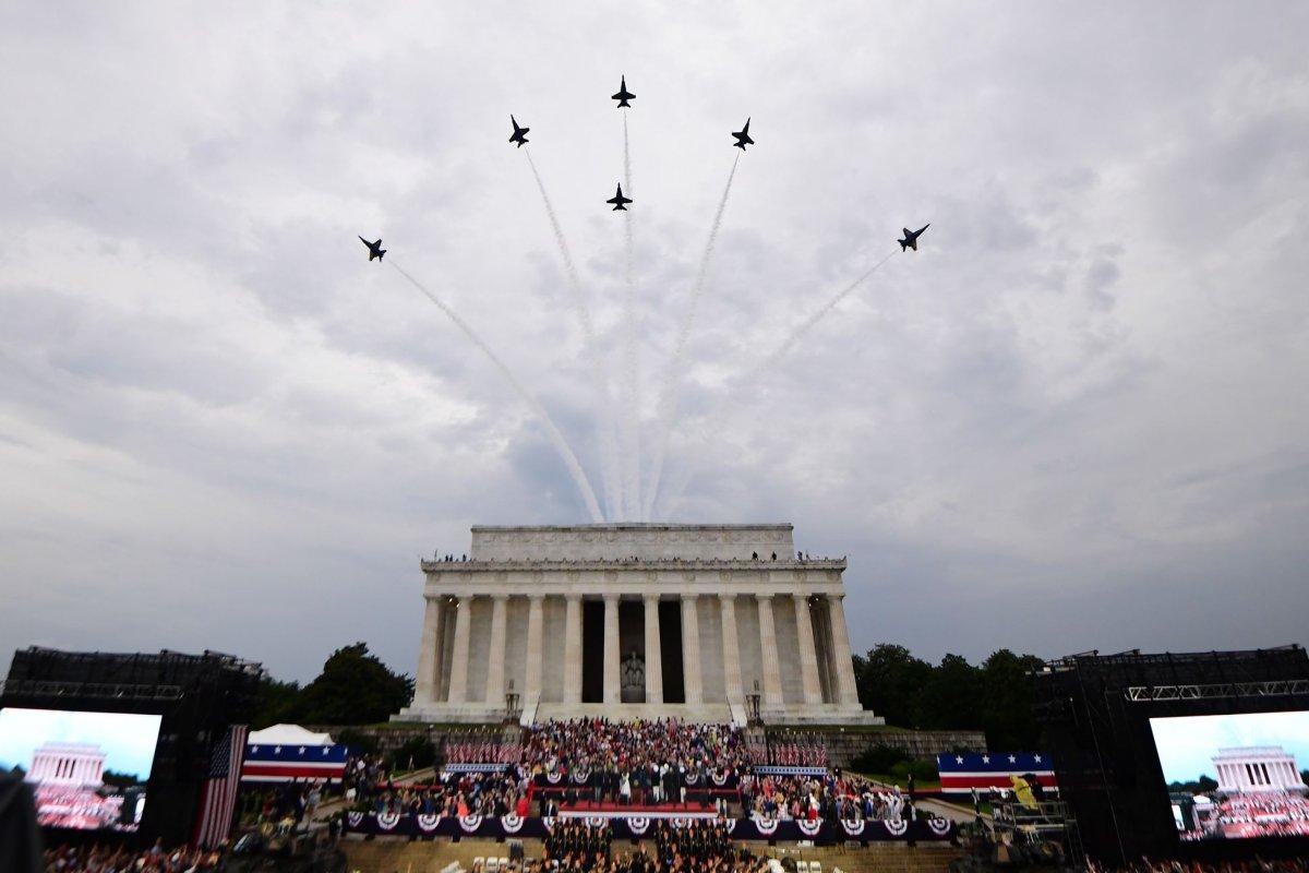 Rainy Salute To America Honors Military Donald Trump