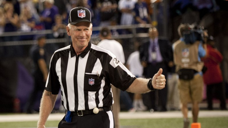 668fe6aff8d Watch the NFL s real refs return to standing ovation  VIDEO  - UPI.com