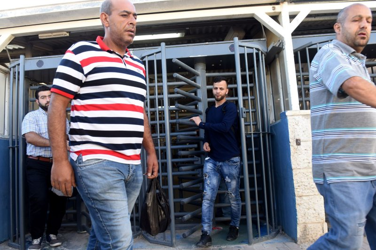 New high-tech Jerusalem checkpoint scanning 4,000 people a