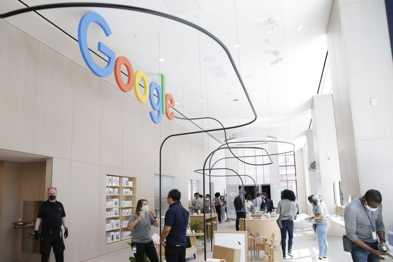 Google opens first brick and mortar retail store in New York