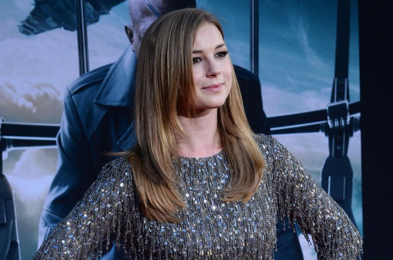 Emily vancamp dating in Sydney