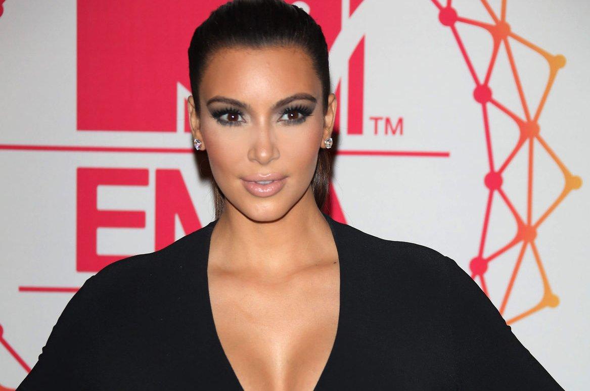 Kim Kardashian Rants About Parenthood On Twitter, Posts -2911