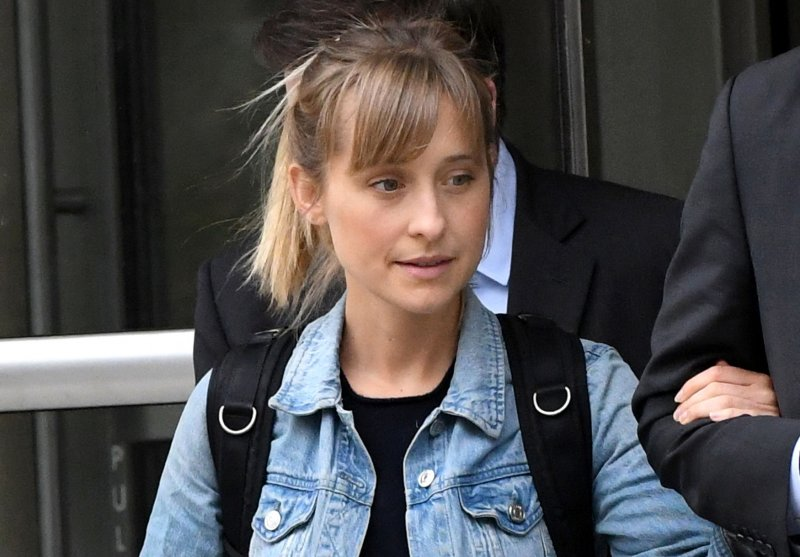 Allison Mack Smallville Actress Accused Of Sex Trafficking Freed On 5m Bail Upi Com
