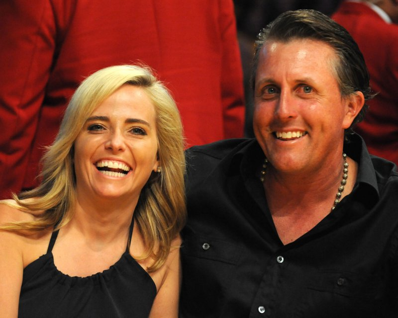 mickelson u0026 39 s wife has breast cancer
