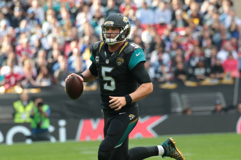 jacksonville jaguars qb blake bortles hold up in practice against new. Cars Review. Best American Auto & Cars Review