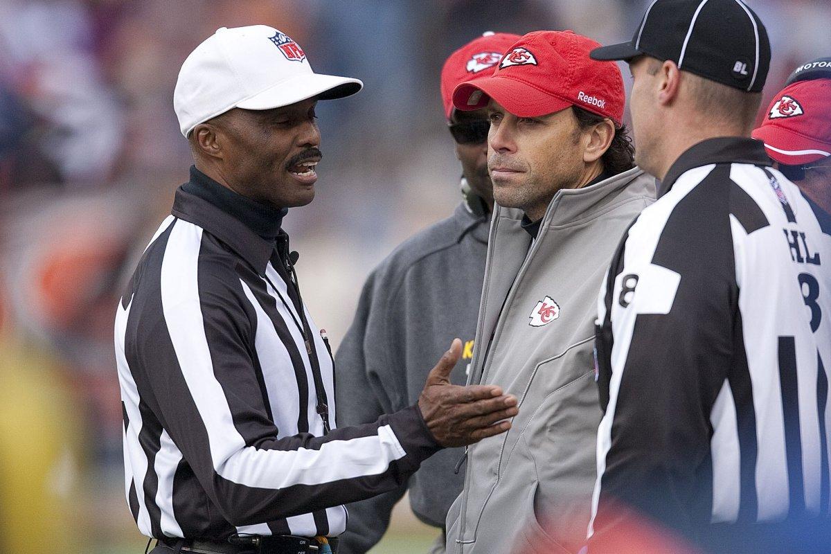 Ex-NFL referee Mike Carey out at CBS - UPI.com