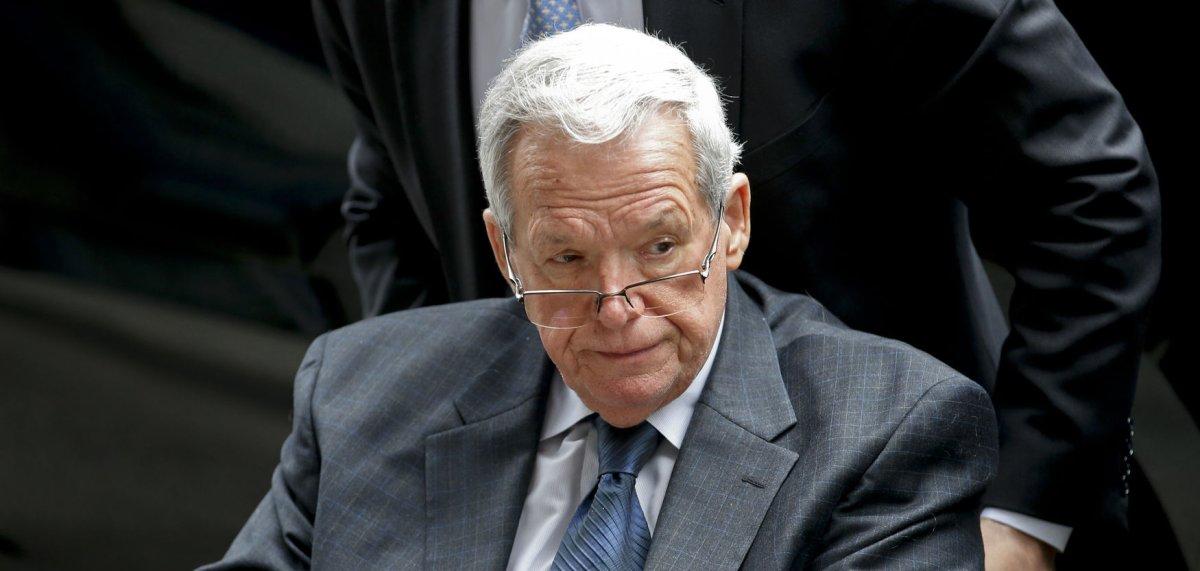 Ex-speaker Dennis Hastert begins prison sentence over ...