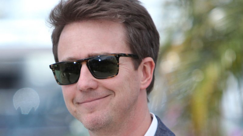 actor edward norton to be firsttime dad upicom