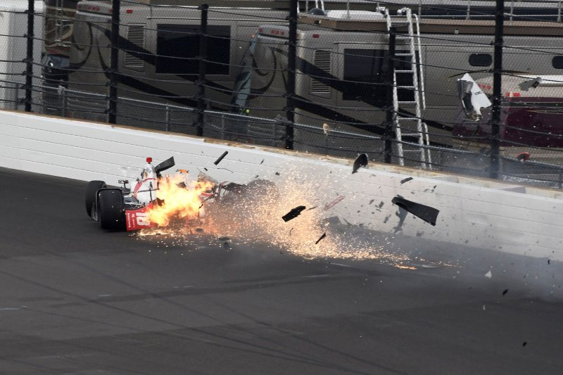 2017 indianapolis 500 sebastien bourdais leaves hospital after indy crash. Black Bedroom Furniture Sets. Home Design Ideas