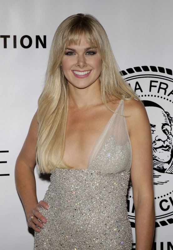 Laura Bell Bundy to co-star with Charlie Sheen on sitcom ...