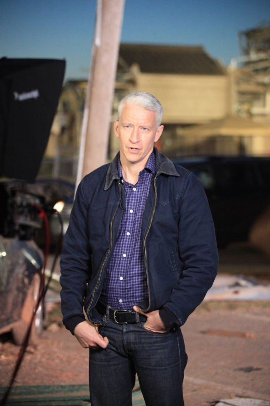 Anderson Cooper Discusses Mother Gloria Vanderbilt S Past