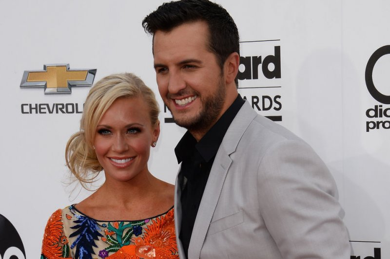 Luke Bryan Takes In Teen Nephew After Brother In Law 39 S