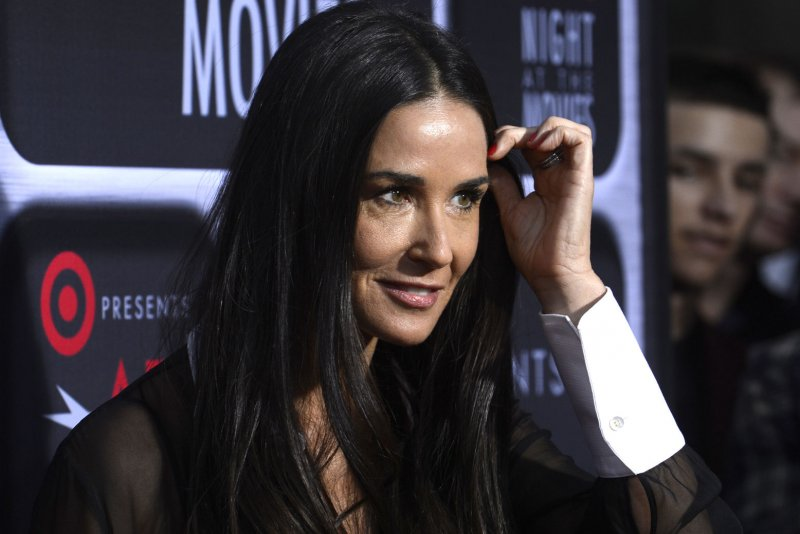 demi moore reportedly sold engagement ring from ashton