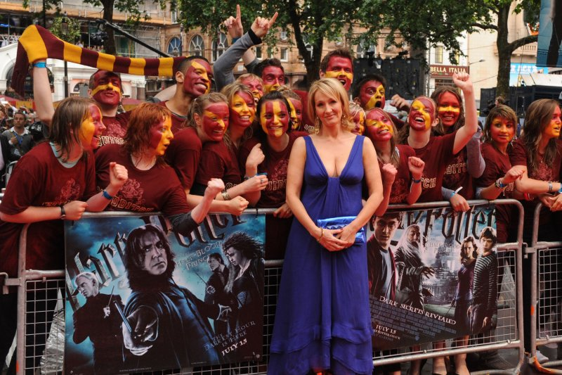 jk rowlings harry potter harry potters health In jk rowling's second story, harry potter's wife ginny, a sports reporter with the daily prophet, live blogs from the quidditch world cup rowling posted a live blog.