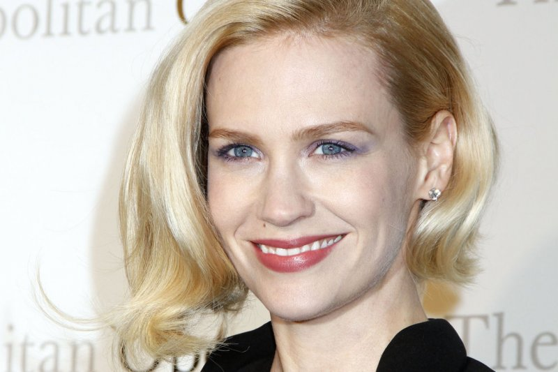 January Jones Says She Would Have Sex With Rihanna - Upicom-2206