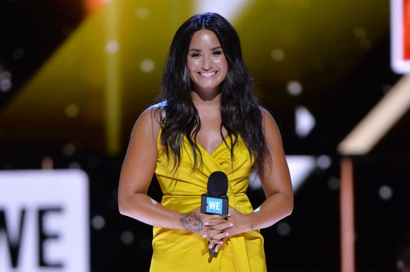 Demi Lovato launches collection for Kate Hudson's ...