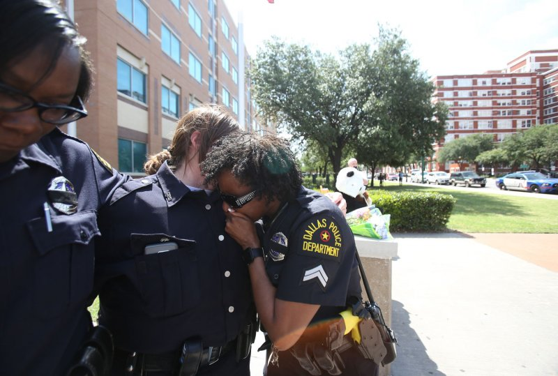 Dallas police sees uptick in officer applications following