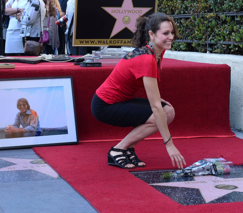 John Denver's Children On Hand For Hollywood Walk Of Fame