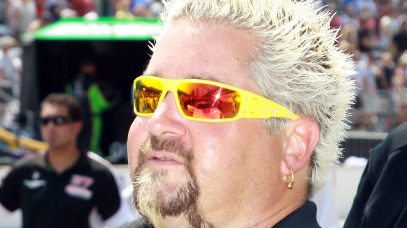 guy fieri says new york times review had 39 another agenda