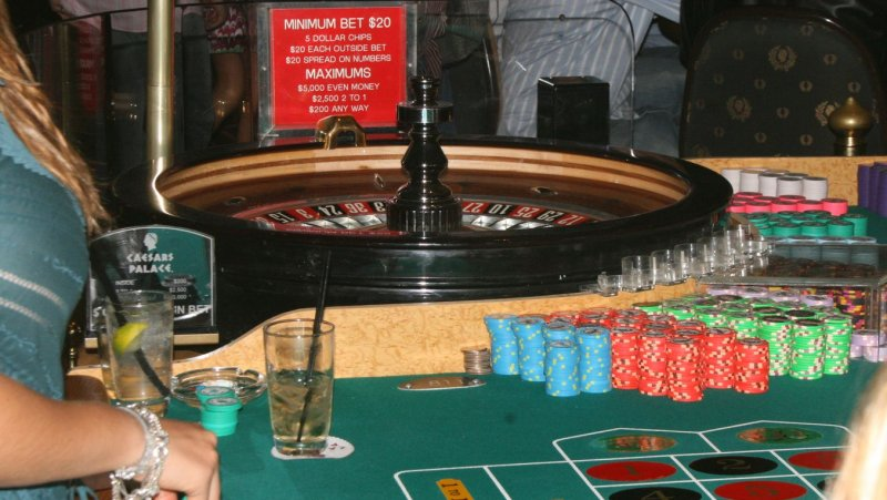 Roulette odds 8 black in a row 3