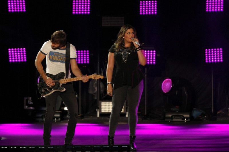 Lady antebellum singer hillary scott reveals she had a for Lady antebellum miscarriage how far along