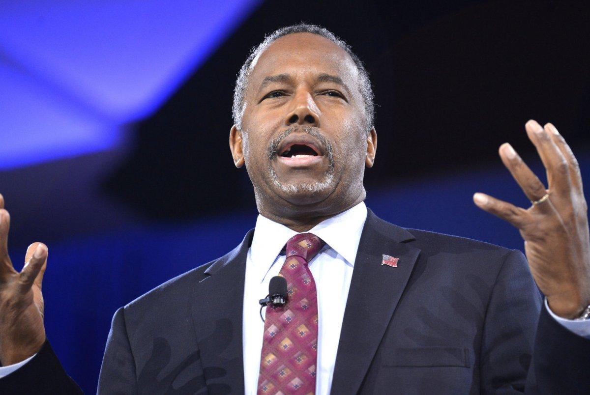 Ben Carson endorses presidential front-runner Trump - UPI.com