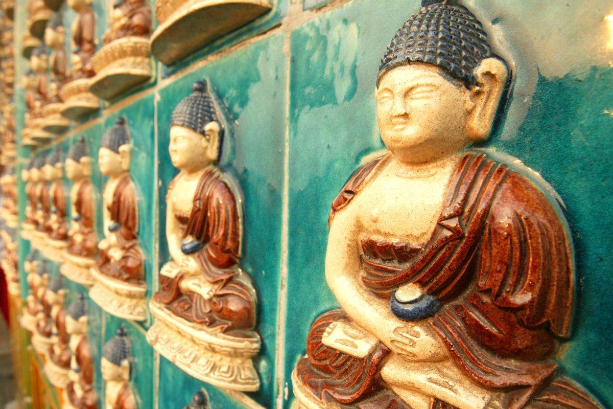 how to become a buddhist teacher