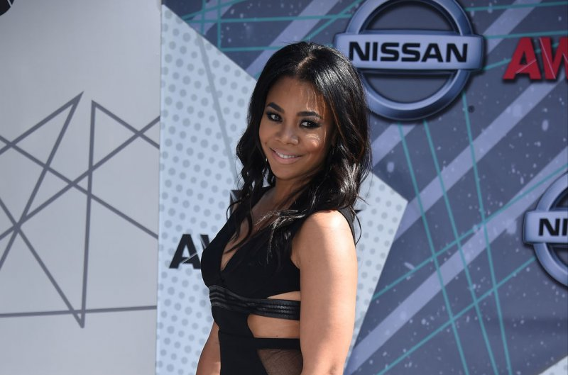 Marlon Wayans and Regina Hall to star in Netflix rom-com 'Naked