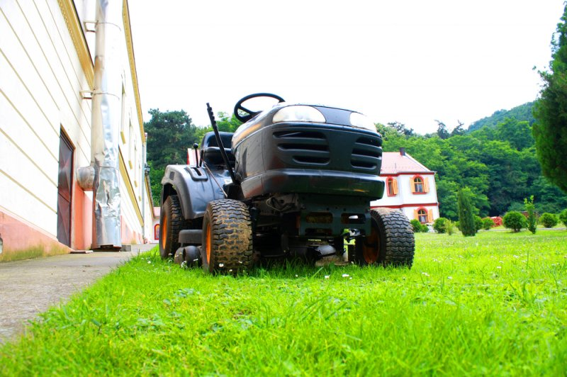 Naked couple arrested on stolen lawnmower | The Week UK