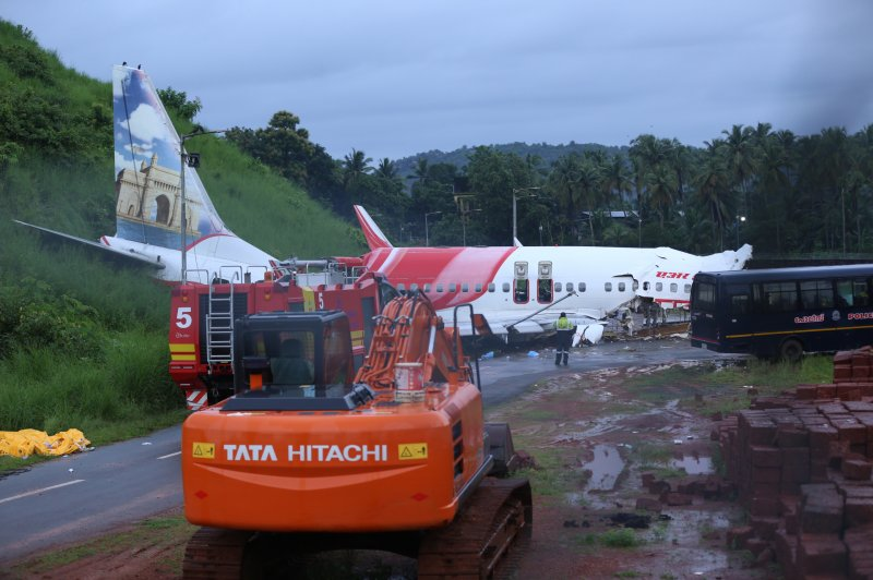 India: Aviation experts warned of dangers of tabletop...