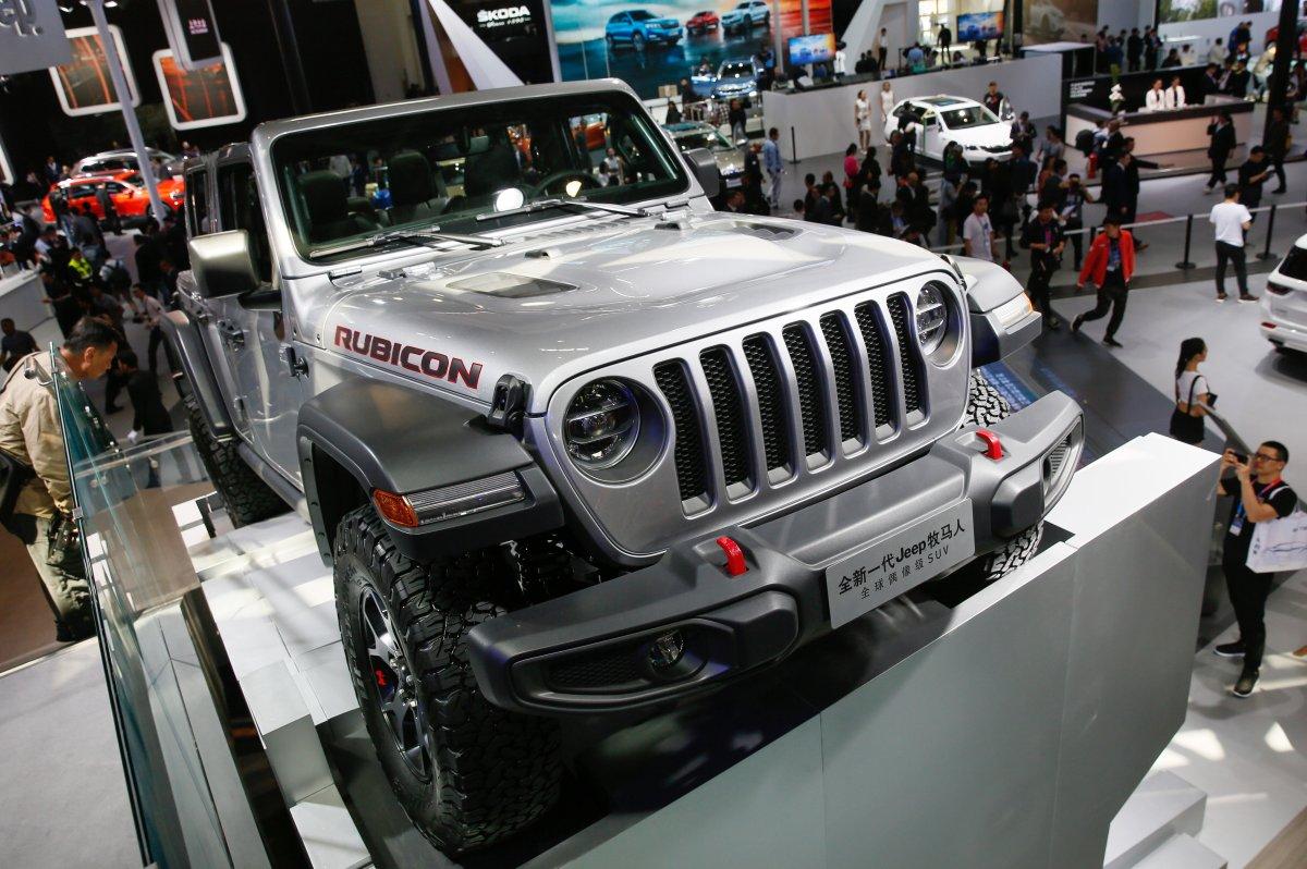 last jeep wrangler jk rolls off production line in ohio. Black Bedroom Furniture Sets. Home Design Ideas