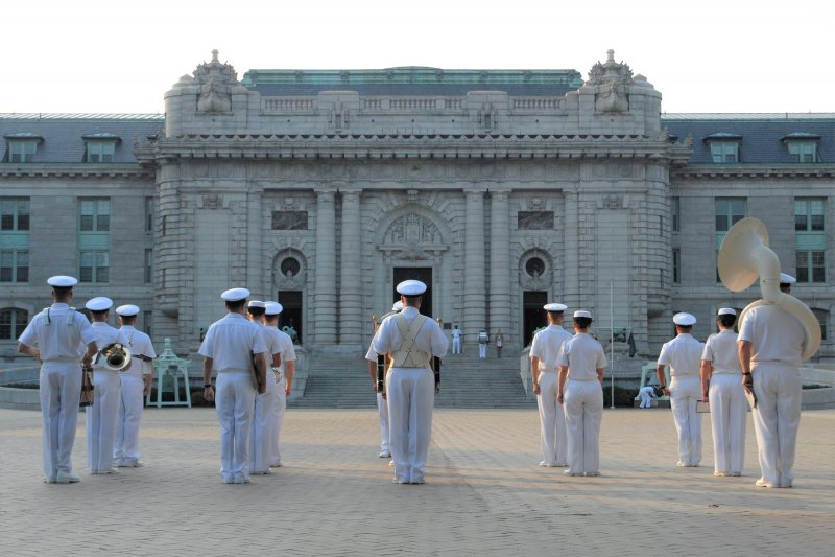 Naval Academy midshipman dies after being found unresponsive...