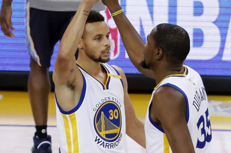 newest 62bd2 a1340 CHARLOTTE, N. C. -- The Golden State Warriors snapped a one-game losing  streak on Wednesday night by rallying in the fourth quarter for a 113-103  victory ...