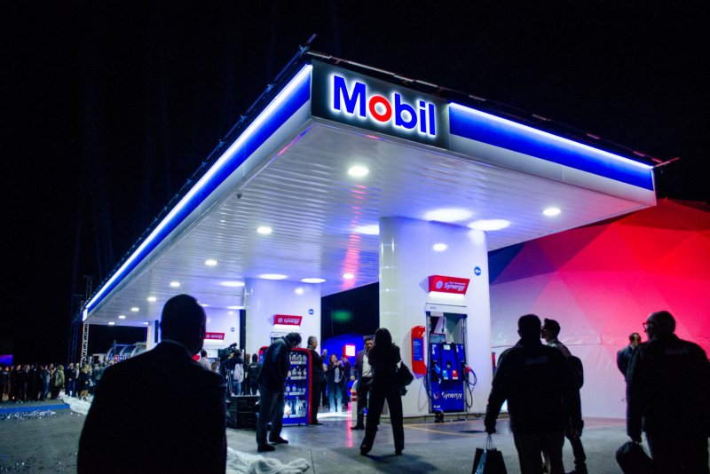 Dutch And Company >> Mobil-brand gas stations open in Mexico - UPI.com