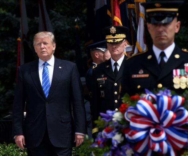Watch: Trump gives Memorial Day remarks at Arlington