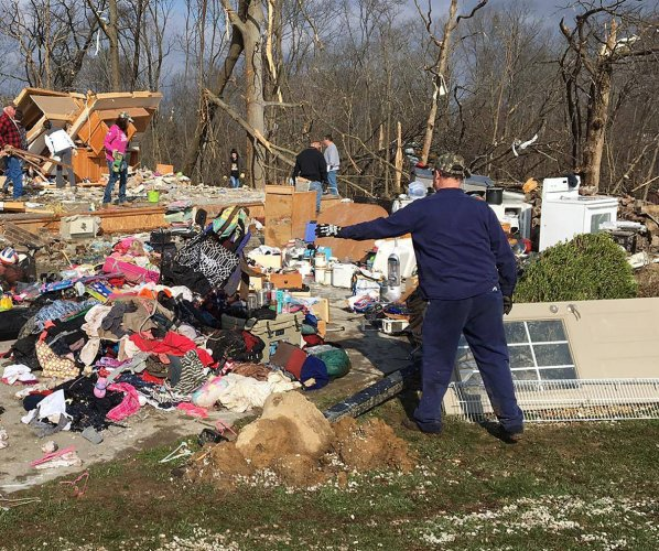 At least three die in Midwest storms, tornadoes