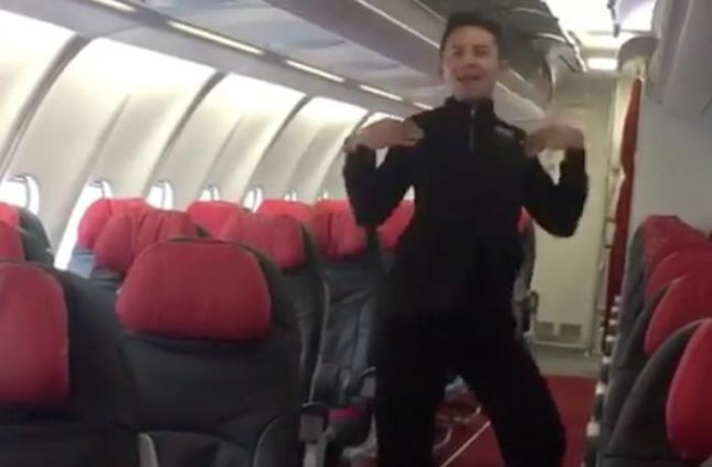 AirAsia flight attendant Assraf Nasir captured the attention of the internet and the company's CEO by recreating Britney Spears' music video for Toxic on an empty plane. 