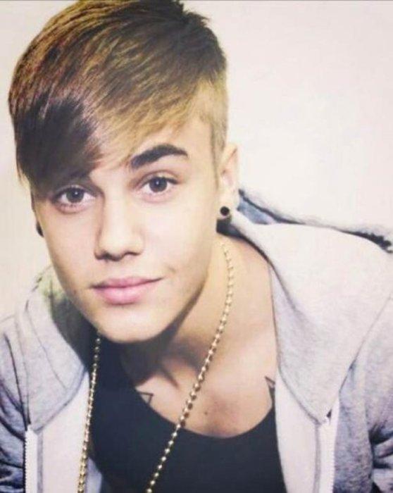 Singer Justin Bieber Gets New Side Swept Undershaved Hairstyle Upi Com