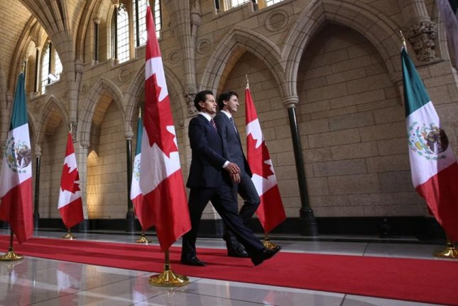 Canadian and Mexican leaders vow to work more closely in the energy sphere now that Mexico's sector is opening. Photo courtesy of the office of the Canadian prime minister.